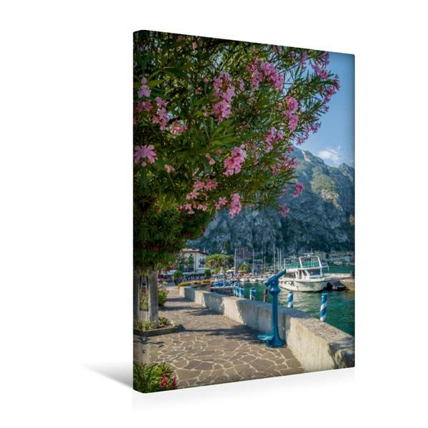 Premium Textil-Leinwand 30 cm x 45 cm hoch, GARDASEE Hafen und Uferpromenade in Limone sul Garda | Wandbild, Bild auf Keilrahmen, Fertigbild auf echter Leinwand, Leinwanddruck - Coverbild