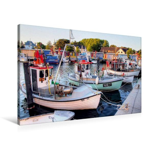 Premium Textil-Leinwand 90 cm x 60 cm quer, Fischerboote in Niendorf | Wandbild, Bild auf Keilrahmen, Fertigbild auf echter Leinwand, Leinwanddruck - Coverbild