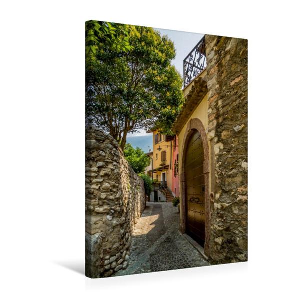 Premium Textil-Leinwand 50 cm x 75 cm hoch, MALCESINE Altstadtgasse   Wandbild, Bild auf Keilrahmen, Fertigbild auf echter Leinwand, Leinwanddruck - Coverbild