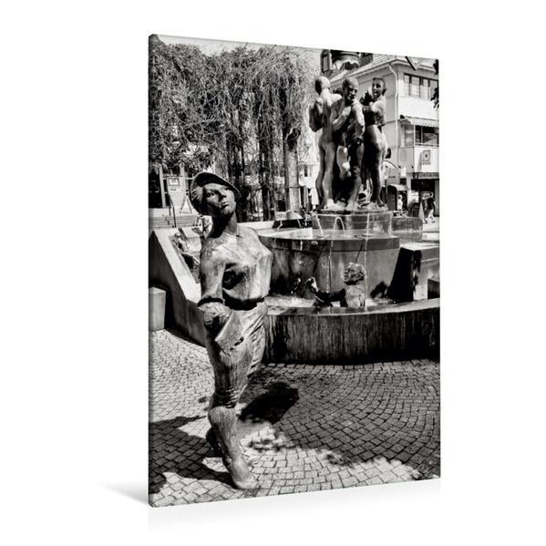 Premium Textil-Leinwand 80 cm x 120 cm  hoch, Kurschattenbrunnen (Bohrmann & Roth)   Wandbild, Bild auf Keilrahmen, Fertigbild auf echter Leinwand, Leinwanddruck - Coverbild