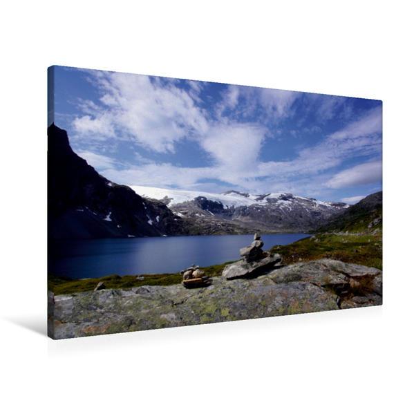 Premium Textil-Leinwand 90 cm x 60 cm quer, Aufgestapelte Varden vor einem Fjord | Wandbild, Bild auf Keilrahmen, Fertigbild auf echter Leinwand, Leinwanddruck - Coverbild