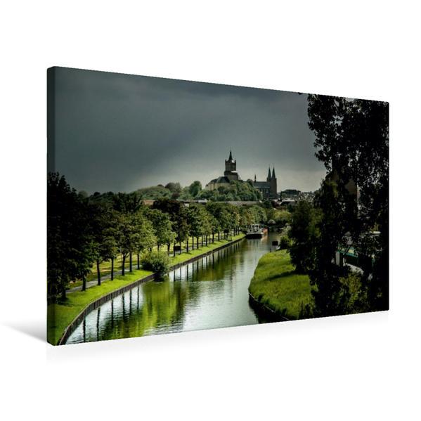 Premium Textil-Leinwand 75 cm x 50 cm quer, Blick auf die Schwanenburg | Wandbild, Bild auf Keilrahmen, Fertigbild auf echter Leinwand, Leinwanddruck - Coverbild