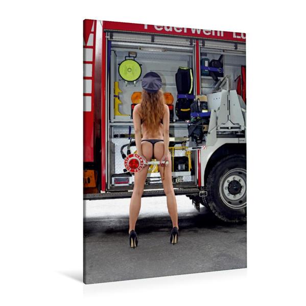 Premium Textil-Leinwand 80 cm x 120 cm  hoch, Ein Motiv aus dem Kalender Feuerwehrkalender – Erotische Fotografien von Thomas Siepmann | Wandbild, Bild auf Keilrahmen, Fertigbild auf echter Leinwand, Leinwanddruck - Coverbild