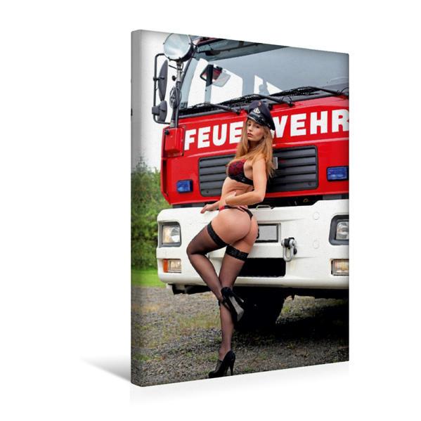 Premium Textil-Leinwand 30 cm x 45 cm hoch, Ein Motiv aus dem Kalender Feuerwehrkalender – Erotische Fotografien von Thomas Siepmann | Wandbild, Bild auf Keilrahmen, Fertigbild auf echter Leinwand, Leinwanddruck - Coverbild