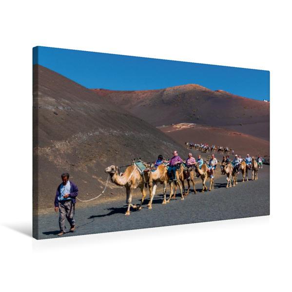 Premium Textil-Leinwand 75 cm x 50 cm quer, Touristenkarawane im Timanfaya-Nationalpark   Wandbild, Bild auf Keilrahmen, Fertigbild auf echter Leinwand, Leinwanddruck - Coverbild