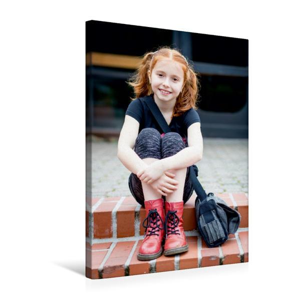 Premium Textil-Leinwand 50 cm x 75 cm hoch, Elisabeth Mathilde Cartus als Mathilda im Kinder Abenteuerfilm
