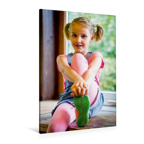 Premium Textil-Leinwand 80 cm x 120 cm  hoch, Leni Evers als Leni im Kinder Abenteuerfilm