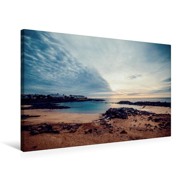 Premium Textil-Leinwand 75 cm x 50 cm quer, Bucht in Costa Teguise | Wandbild, Bild auf Keilrahmen, Fertigbild auf echter Leinwand, Leinwanddruck - Coverbild