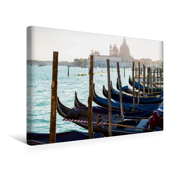 Premium Textil-Leinwand 45 cm x 30 cm quer, Abendlicher Blick auf Santa Maria della Salute   Wandbild, Bild auf Keilrahmen, Fertigbild auf echter Leinwand, Leinwanddruck - Coverbild