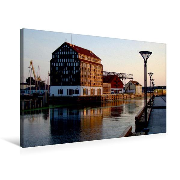 Premium Textil-Leinwand 75 cm x 50 cm quer, Old Mill Hotel in Klaipeda - Ein Motiv aus dem Kalender
