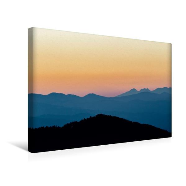 Premium Textil-Leinwand 45 cm x 30 cm quer, Ein Motiv aus dem Kalender Nebelberge - Zauberhafte Bergwelten | Wandbild, Bild auf Keilrahmen, Fertigbild auf echter Leinwand, Leinwanddruck - Coverbild