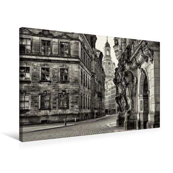 Premium Textil-Leinwand 75 cm x 50 cm quer, Blick in die Augustusstraße vorbei am Georgentor | Wandbild, Bild auf Keilrahmen, Fertigbild auf echter Leinwand, Leinwanddruck - Coverbild