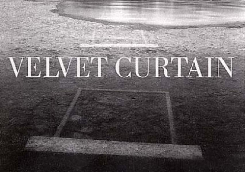 Velvet Curtain - Coverbild